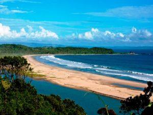 Tempat Wisata Pantai Sarwana