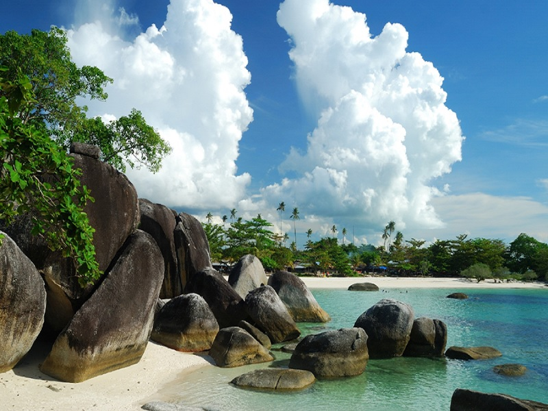 wisata pantai di Belitung