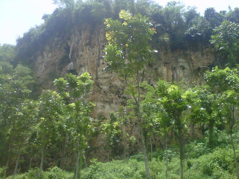 Objek Wisata Tebing Kera